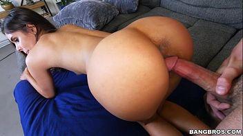 Katya Rodriguez è una latina sexy che ama farsi scopare come una cagna